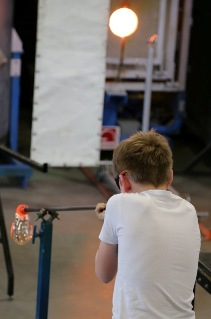 Sunderland Glass-Centre Group-Member Robin-Pierburg glass-blowing